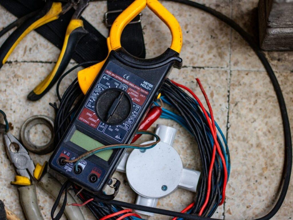 電気配線の掃除火災予防対策